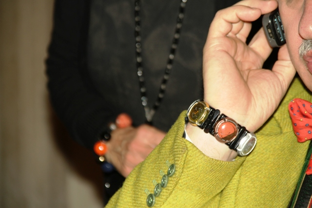 il suo braccialetto