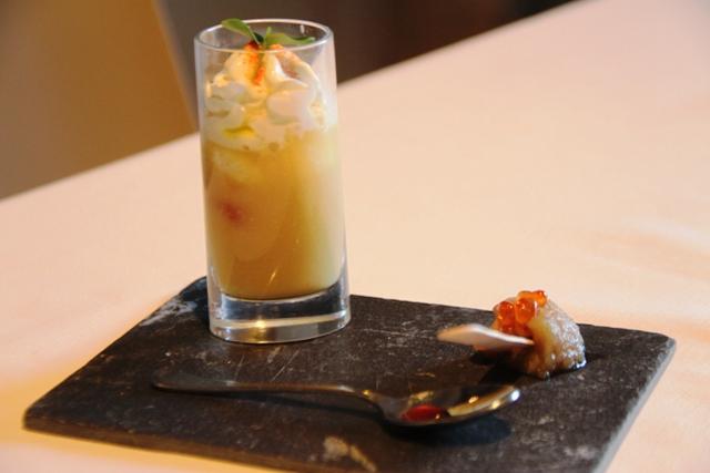 crema di ceci di Granoro con spuma di ricotta con accanto melanzana candita con uova di salmone aceto di lamponi