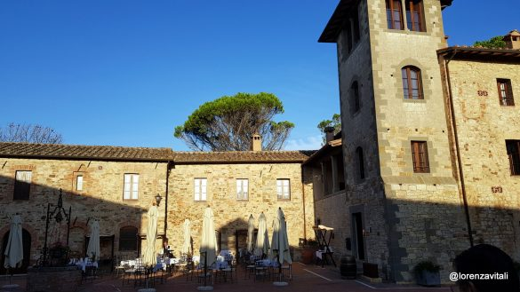 Contrada a Castel Monastero